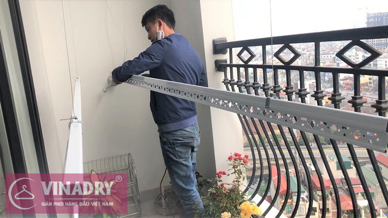 Lắp giàn phơi thông minh ở tòa R4 chung cư Royal City nhà cô Thịnh P12B04