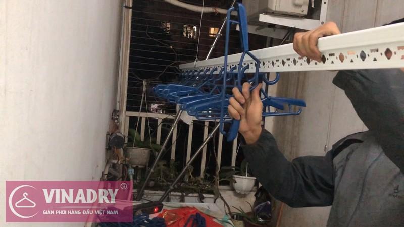 Lắp giàn phơi Long Biên nhà chị Nga P202 tầng 11 chung cư CT18 Việt Hưng