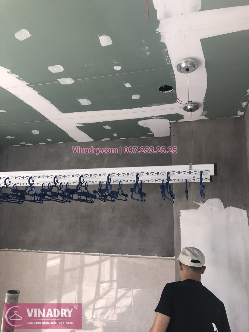 Lắp giàn phơi Thanh Xuân nhà anh Hữu ở nhà E3 Pandora Triều Khúc