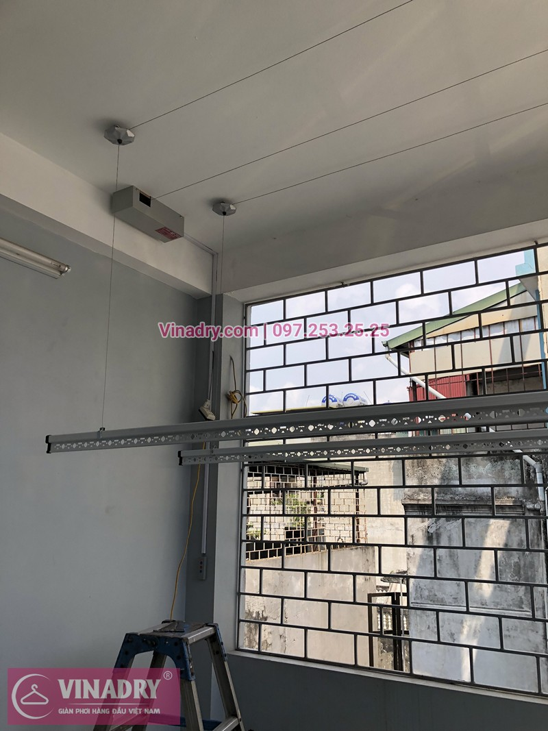 Lắp giàn phơi bấm điện tự động nhà chị Hà ở ngõ 101 Thanh Nhàn