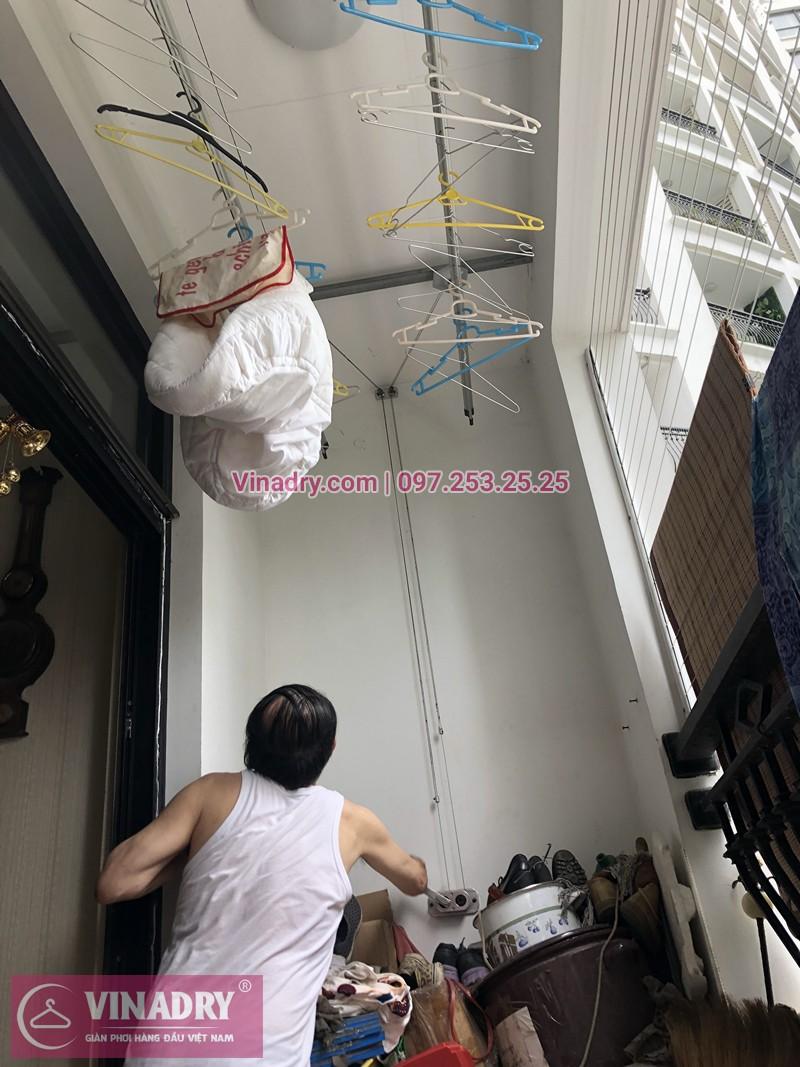 Bộ giàn phơi quần áo chung cư nhà chị Vũ sau khi thay dây cáp