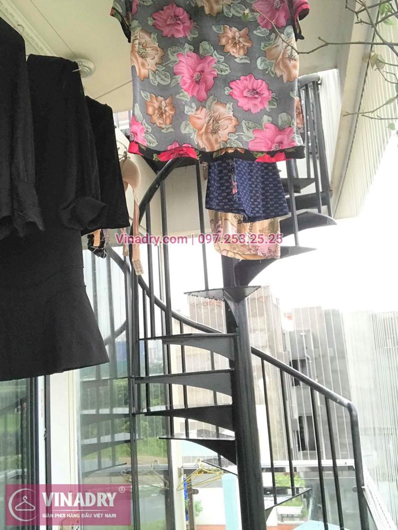 Hình ảnh thực tế bộ giàn phơi quần áo thông minh nhà cô Thìn