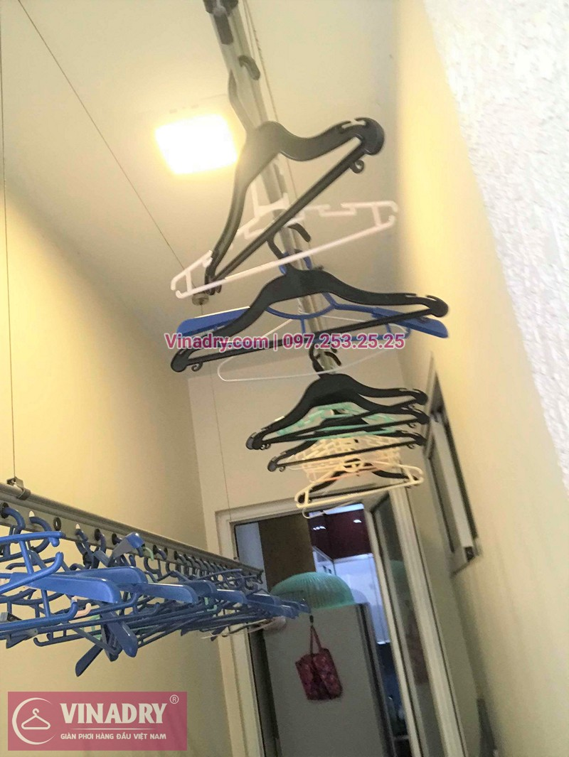 Hình ảnh thực tế bộ giàn phơi quần áo chung cư nhà chị Hoài