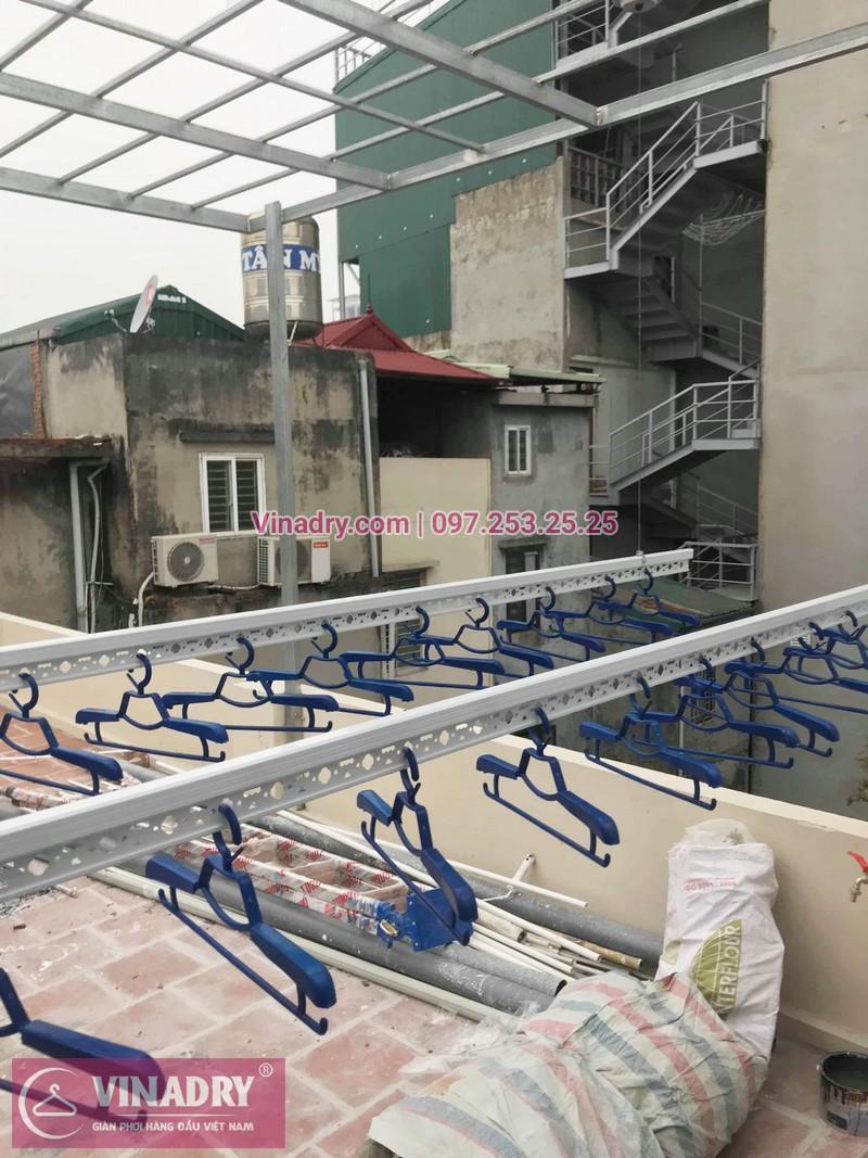 Hình ảnh giàn phơi thông minh Hòa Phát HP701 lắp đặt tại nhà chị Oanh, Đống Đa, Hà Nội - 02
