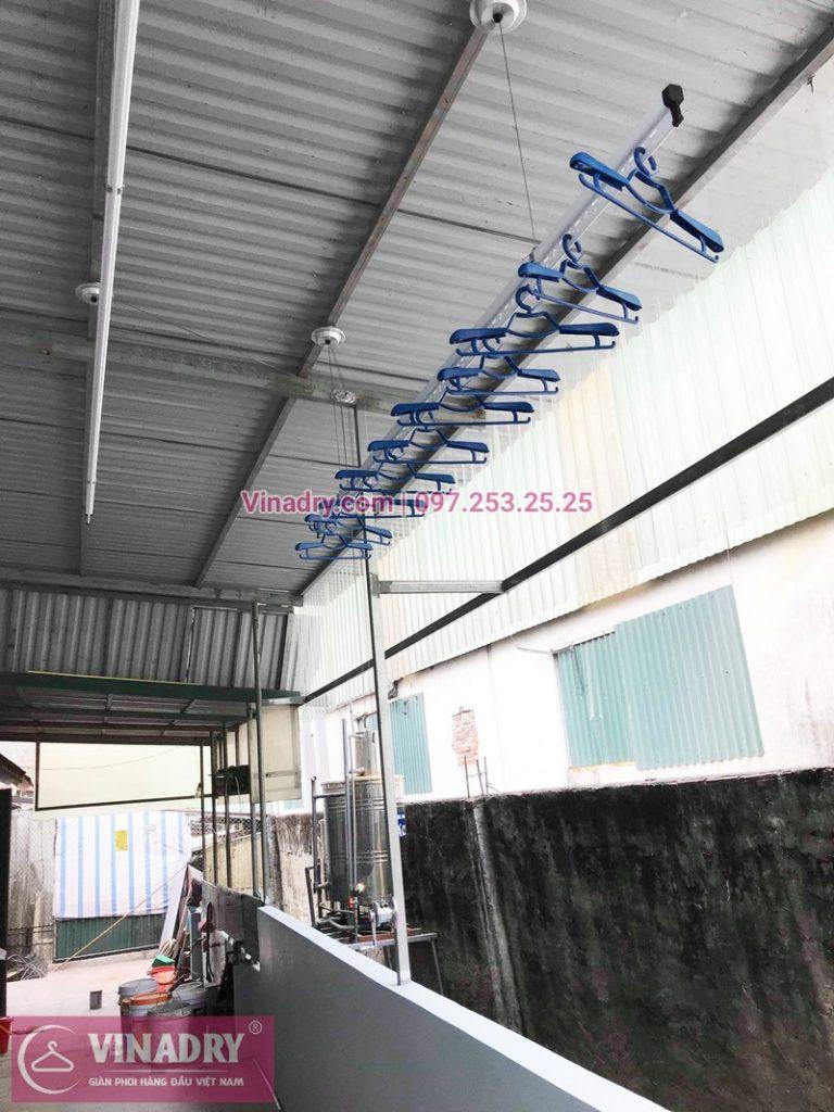 Hình ảnh giàn phơi Hòa Phát HP701 lắp cho trần mái tôn nhà cô Huệ - 02