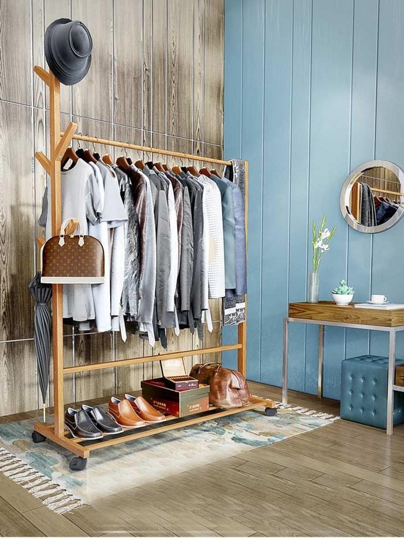 Giá treo quần áo bằng gỗ có bánh xe