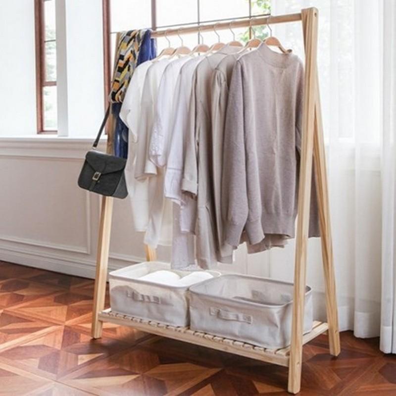 Cây treo quần áo bằng gỗ không có bánh xe