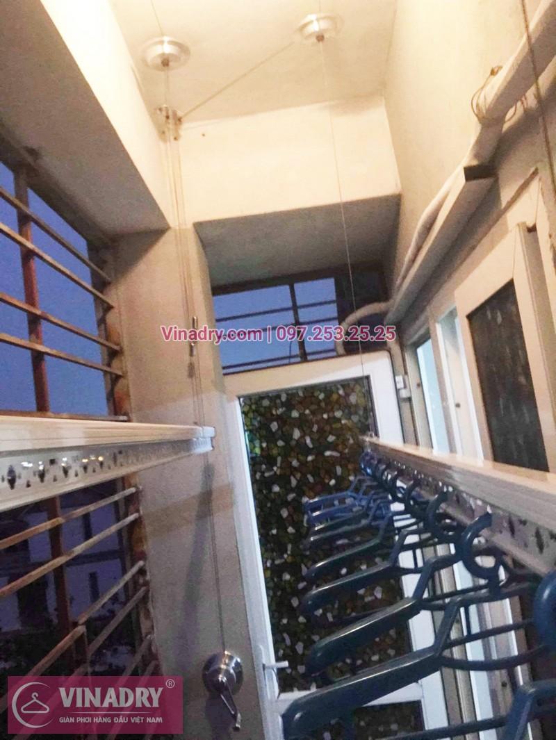 Lắp giàn phơi giá rẻ tại Long Biên nhà chú Mẫn, chung cư ngõ 640 Nguyễn Văn Cừ - 02