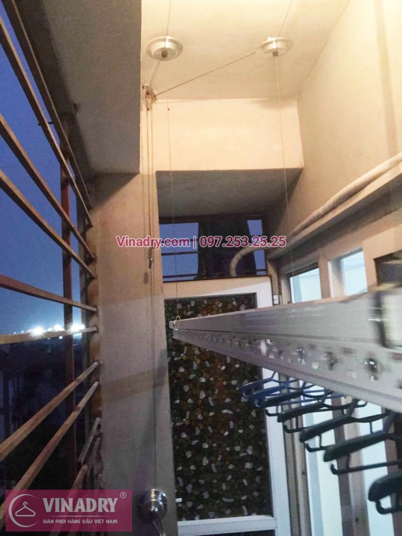 Lắp giàn phơi giá rẻ tại Long Biên nhà chú Mẫn, chung cư ngõ 640 Nguyễn Văn Cừ - 03