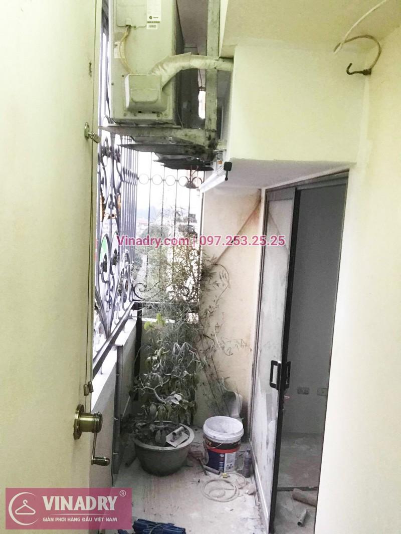 Lắp giàn phơi cho ban công hẹp nhà anh Long, phố Nguyễn Sơn, Long Biên, Hà Nội - 01