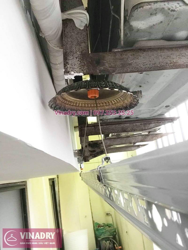 Lắp giàn phơi cho ban công hẹp nhà anh Long, phố Nguyễn Sơn, Long Biên, Hà Nội - 03