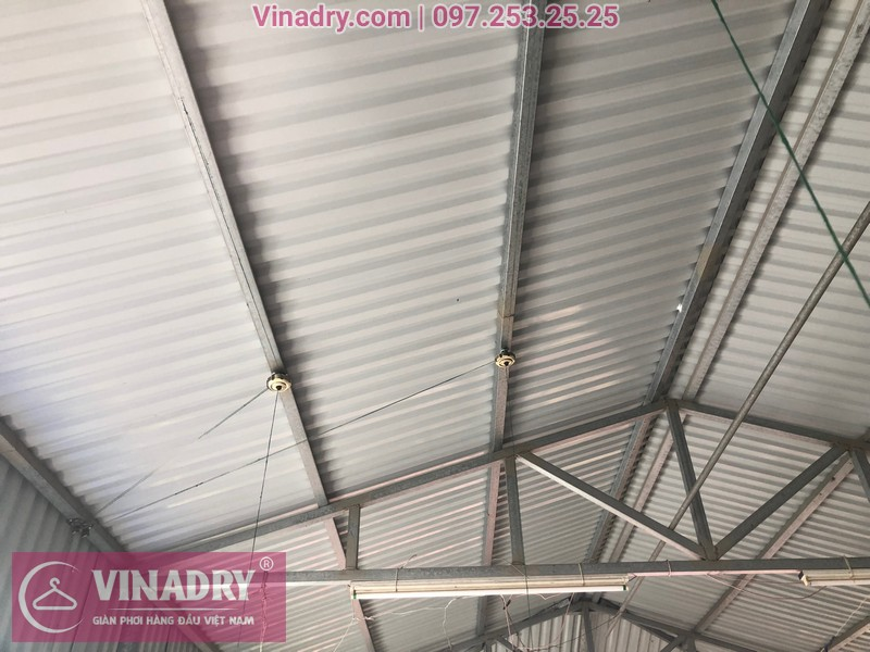Lắp giàn phơi thông minh Vinadry GP941 trên trần mái tôn tại số 162 ngõ trại cá Hai Bà Trưng Hà Nội, nhà ông bà Tiến Nhung.