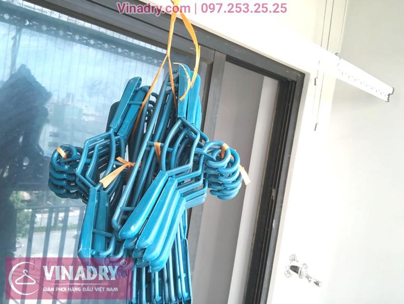 """Giàn phơi Vinadry GP911 """"đẹp lạ"""" giá chỉ 1.690k lắp tại Goldmark City nhà anh Vui, tòa R4A - 03"""