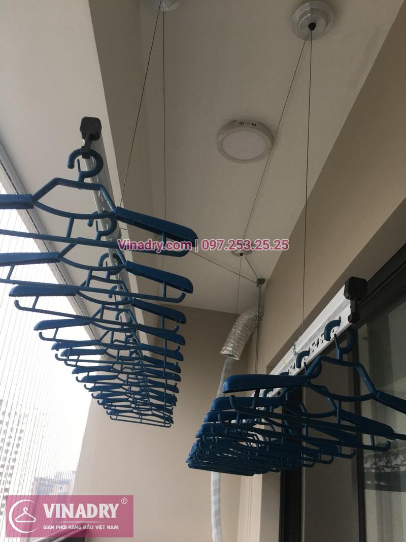Vinadry lắp giàn phơi Hòa Phát giá rẻ HP701 tại Dcapitale Trần Duy Hưng cho nhà chị Bích - 01