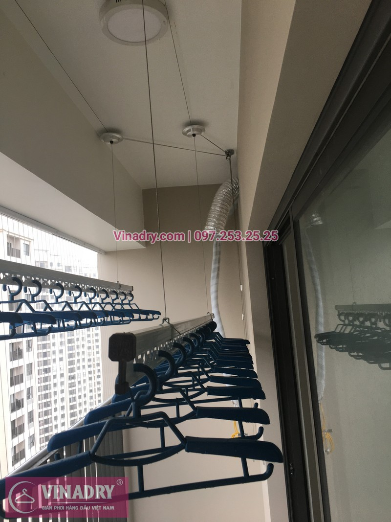 Vinadry lắp giàn phơi Hòa Phát giá rẻ HP701 tại Dcapitale Trần Duy Hưng cho nhà chị Bích - 05