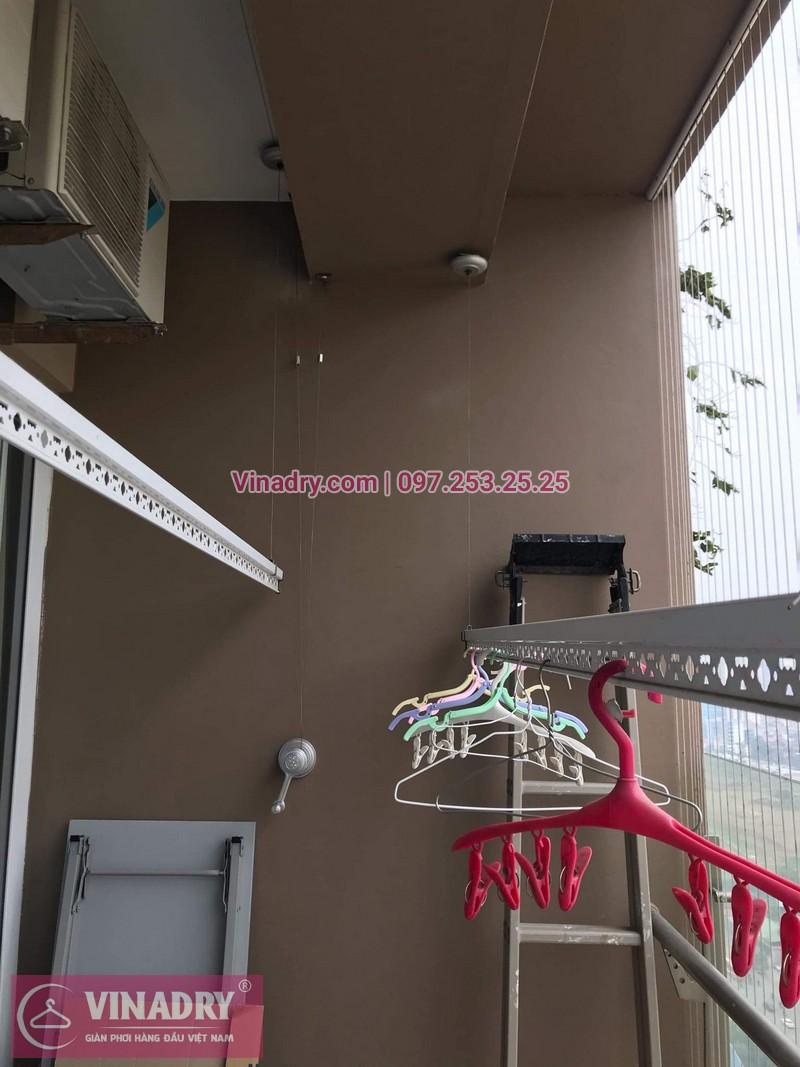 Vinadry lắp lưới an toàn ban công cùng giàn phơi thông minh cho nhà anh Trực tại Vimeco CT4 Tower, Trung Hòa, Cầu Giấy, Hà Nội - 01