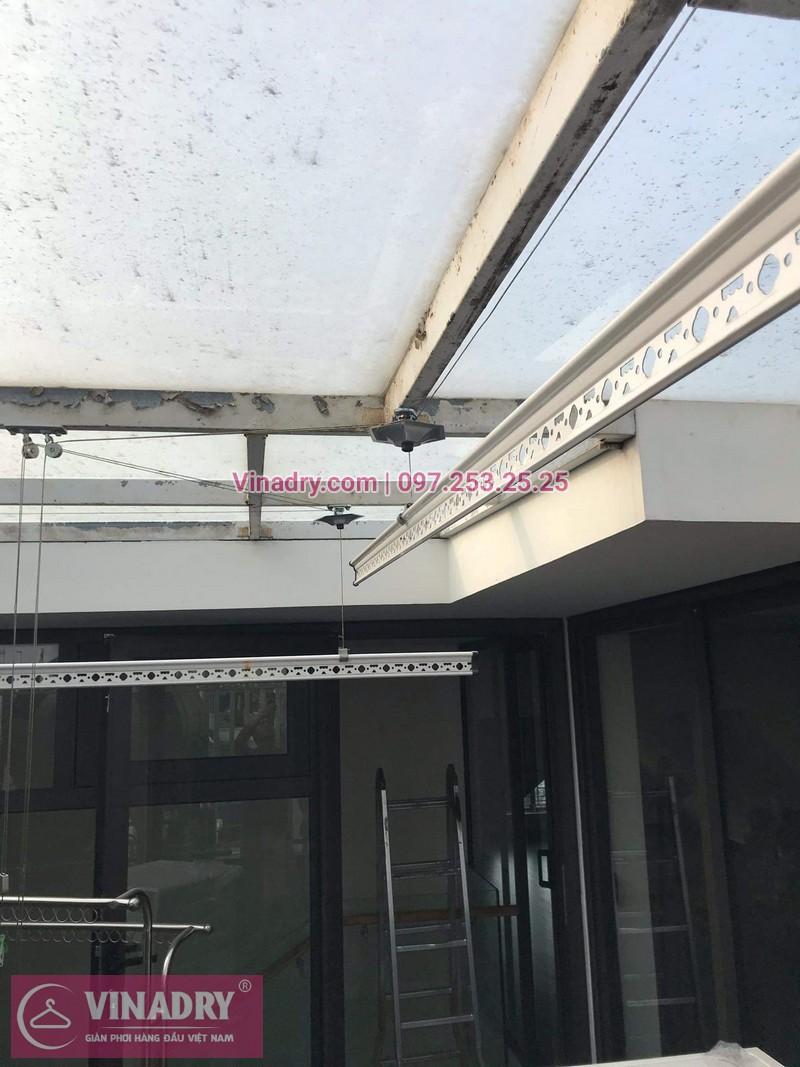 Vinadry lắp giàn phơi cực bền KS950 tại số 12, đường Anh Đào 6, Vinhomes Long Biên cho nhà anh Dự - 03