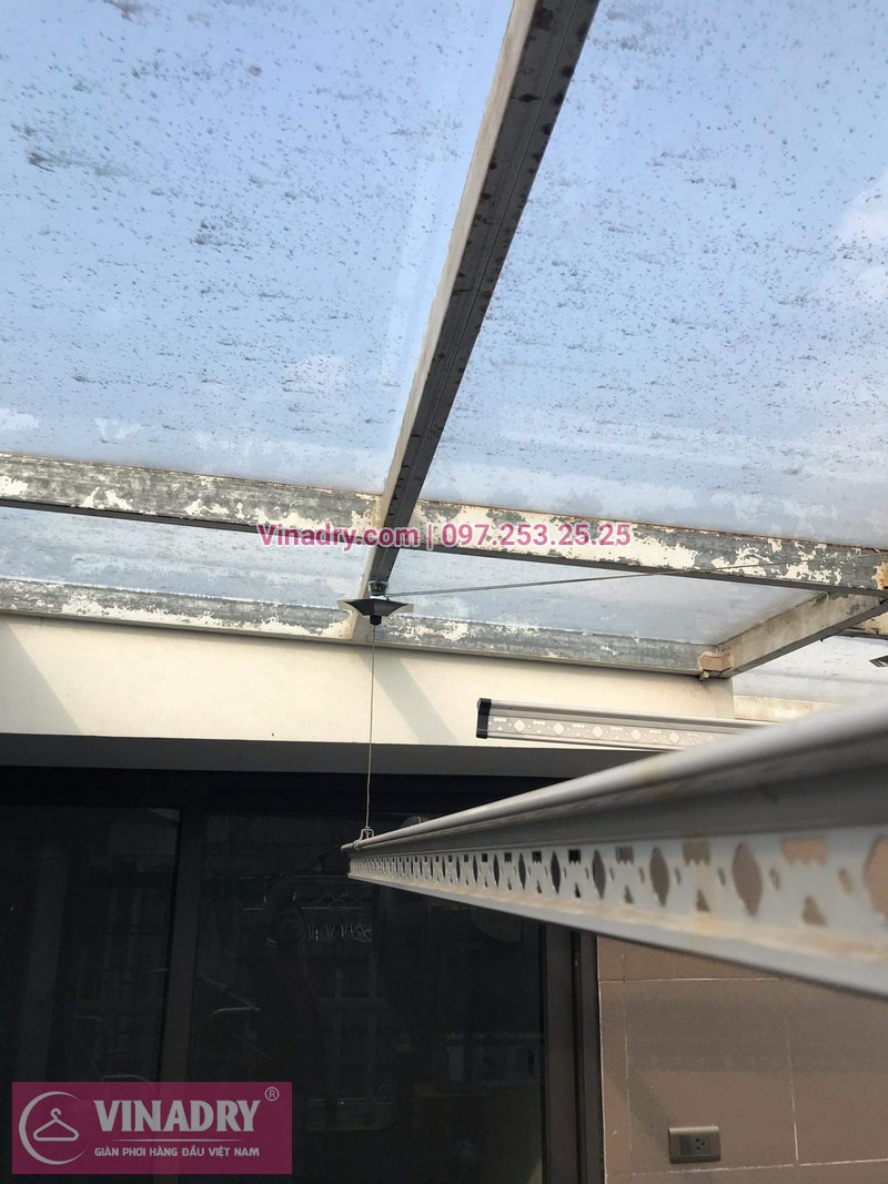 Vinadry lắp giàn phơi cực bền KS950 tại số 12, đường Anh Đào 6, Vinhomes Long Biên cho nhà anh Dự - 05