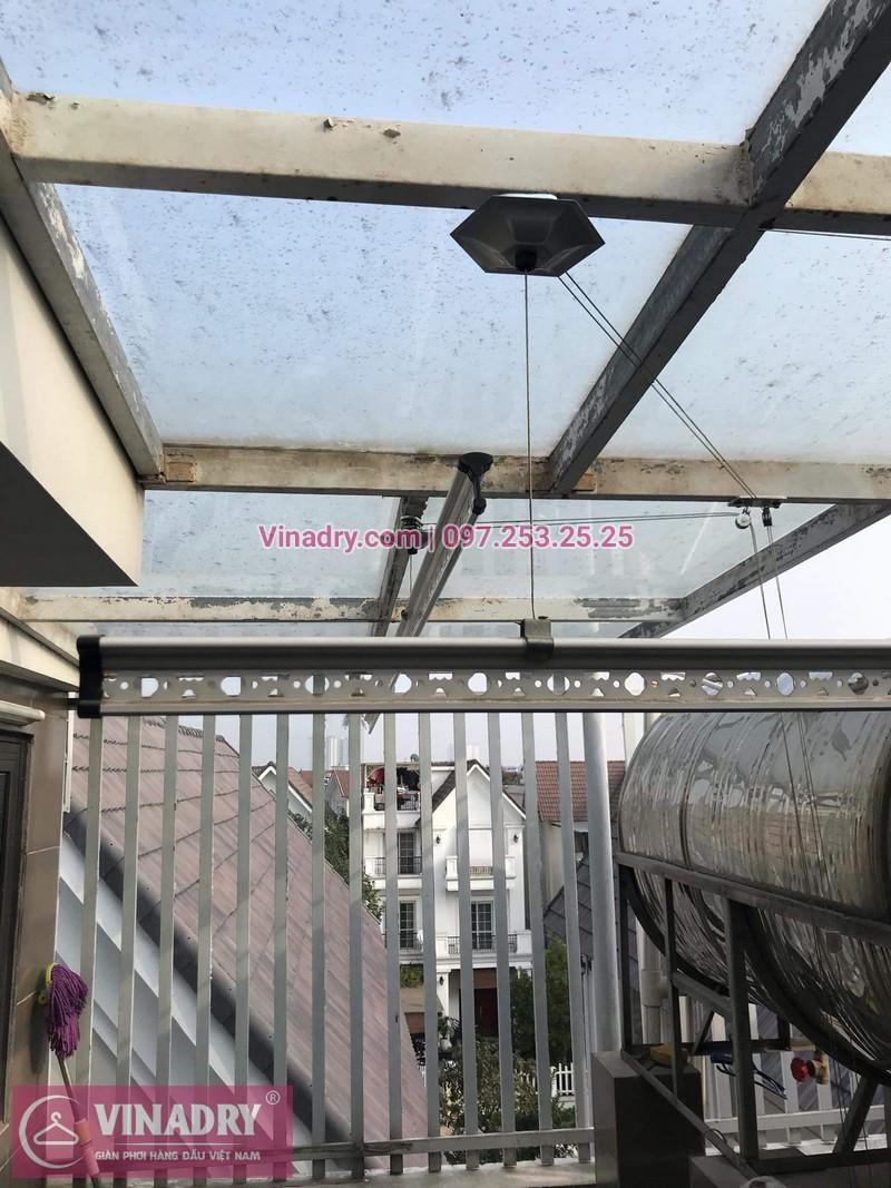 Vinadry lắp giàn phơi cực bền KS950 tại số 12, đường Anh Đào 6, Vinhomes Long Biên cho nhà anh Dự - 11