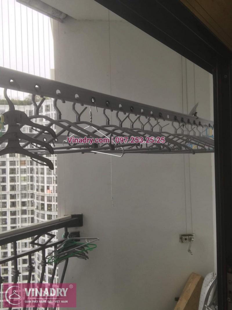 Sửa chữa giàn phơi Thanh Xuân - Thay dây cáp giàn phơi giá rẻ cho nhà chị Tiên tại căn 17 tầng 28 RoyalCity - 08