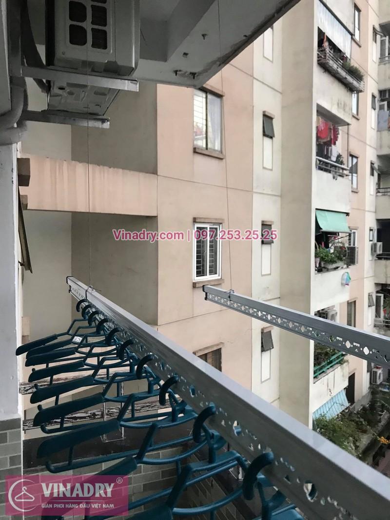 Lắp giàn phơi thông minh Hà Nội: nhà anh Hòa, căn 410, K6, KĐT Việt Hưng, Long Biên, Hà Nội - 2
