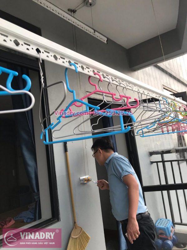 Sửa giàn phơi thông minh tại nhà chị Hoa, chung cư Sài Đồng, Long Biên, Hà Nội