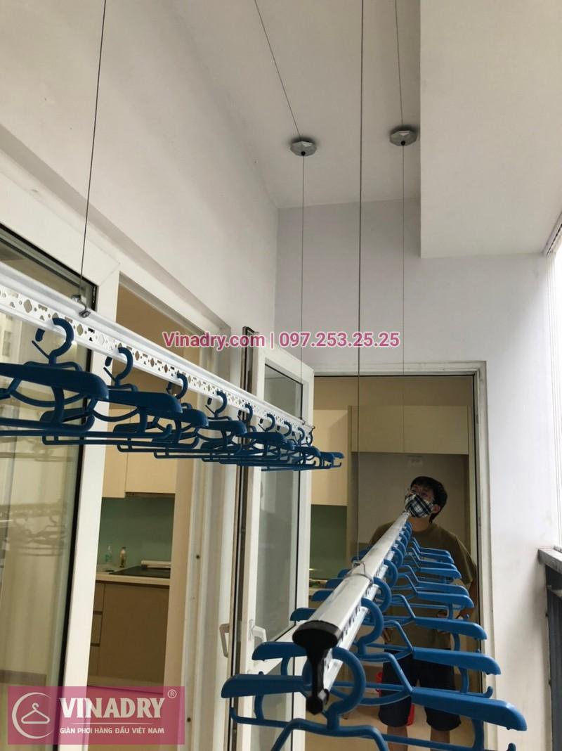 Lắp giàn phơi thông minh Hòa Phát KS950 kèm lưới ban công tại Thanh Xuân - 01