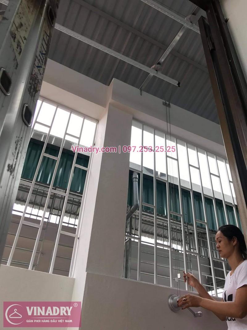 Lắp giàn phơi Long Biên: bộ KS950 tại nhà chị Vân - 04